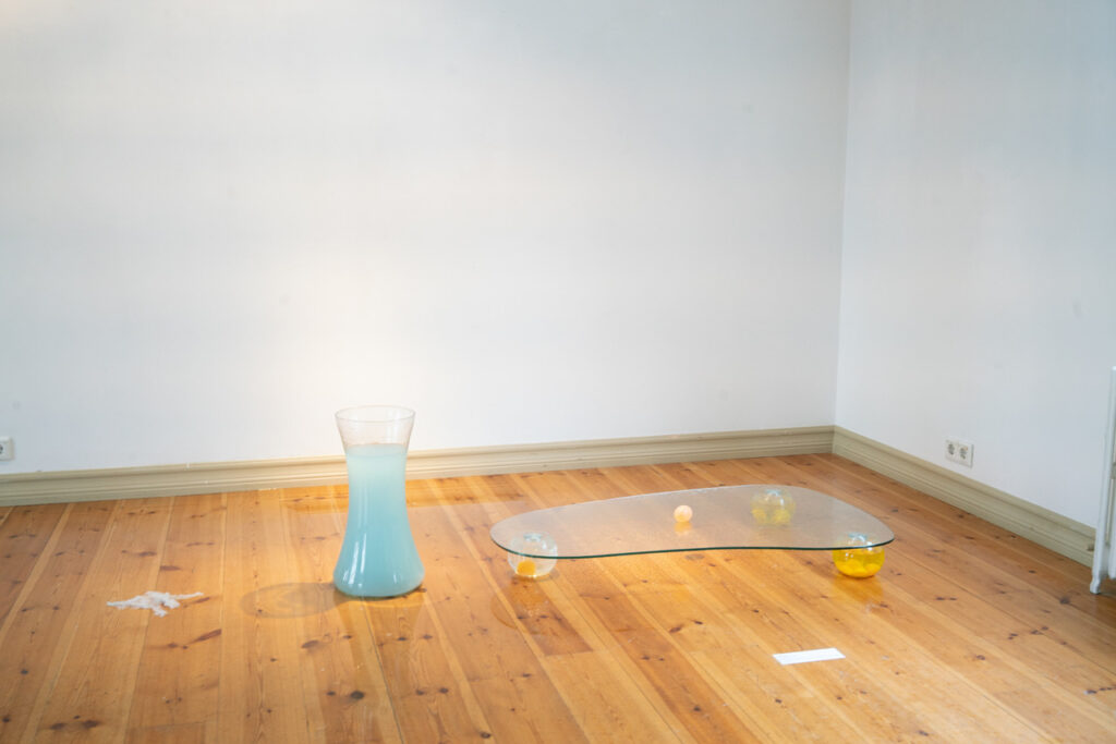 installation view of My Self, the (First) Breath by performance artist lisette ros.